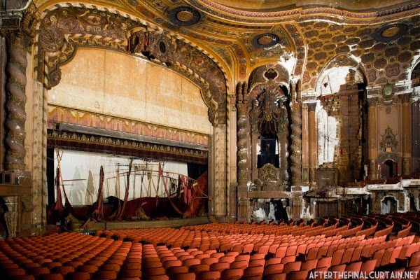 The abandoned Loew's Kings Theatre in New York 12