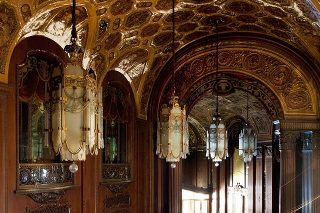 The abandoned Loew's Kings Theatre in New York 13