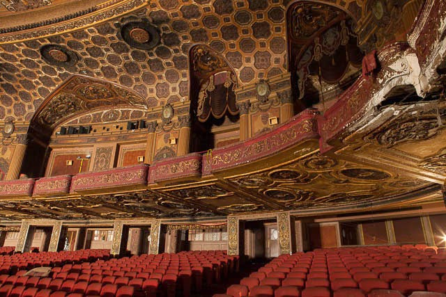 The abandoned Loew's Kings Theatre in New York 28