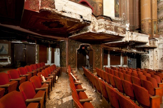 The abandoned Loew's Kings Theatre in New York 4