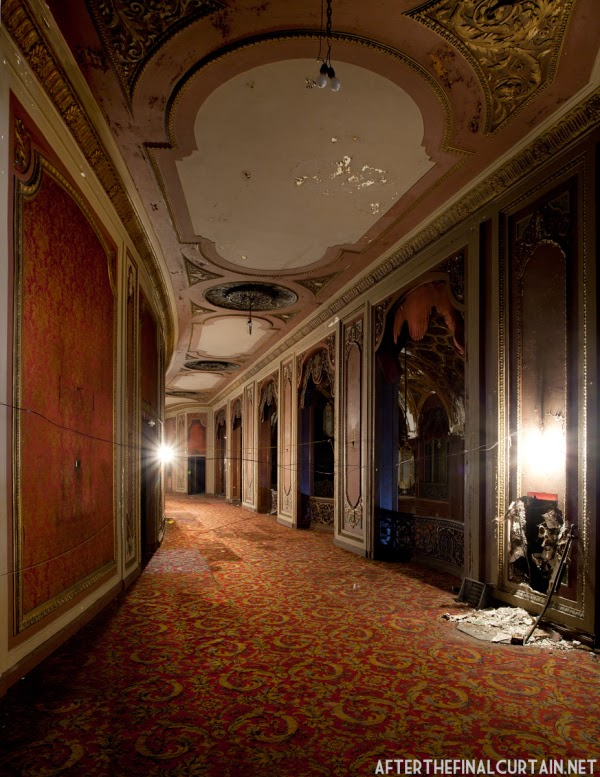The abandoned Loew's Kings Theatre in New York 7