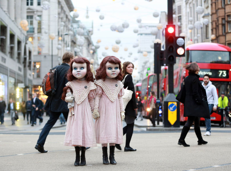 Two Eerie Dolls Spotted In Central London Scaring Commuters 2