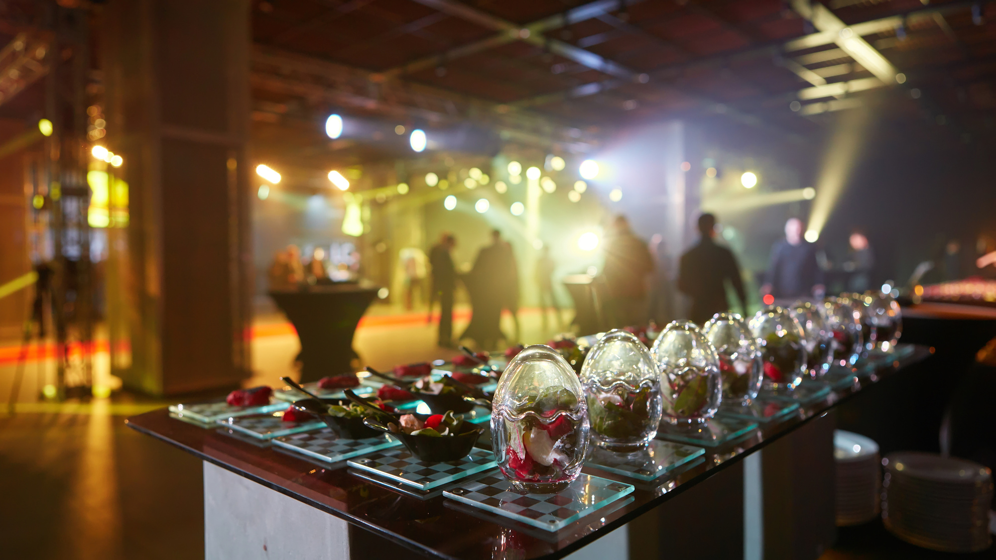 5 tips for planning a company outing: corporate party ideas and more